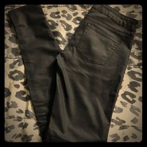 Like new! Bull head black skinny's size 3